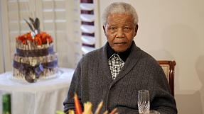 Nelson Mandela appears in video for the first time after August
