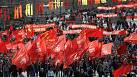 Festive atmosphere marks Russian May Day parades