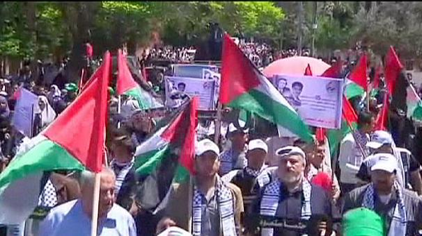 Thousands of Palestinians gather to commemorate 'Nakba'