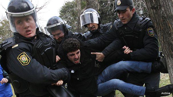 Azerbaïdjan: de nouvelles atteintes à la liberté d'expression sur internet