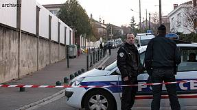 Man shoots himself dead in Paris nursery school