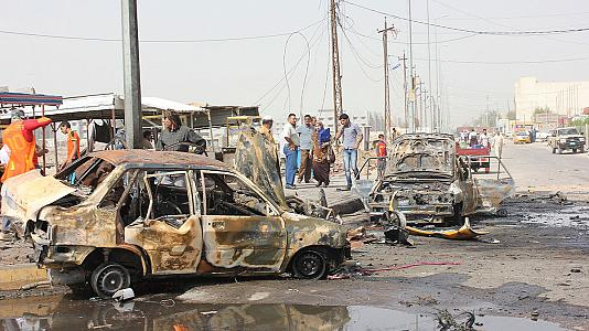 Iraq: Baghdad and Basra hit by car bomb attacks