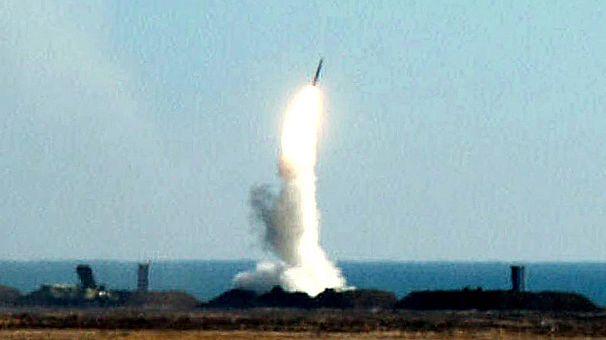 Rusia critica a la UE por levantar el embargo a Siria y defiende su venta de misiles a Bachar al Assad