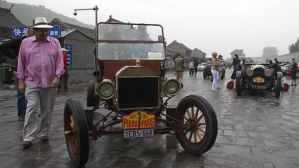 El rally Pekín-París: una gesta de 33 días para un centenar de coches antiguos