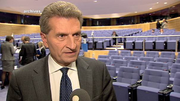 """El comisario Oettinger reparte críticas en la UE y asegura que Italia es """"ingobernable"""""""