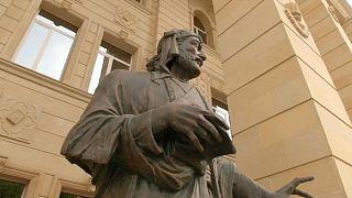 نظامی گنجوی، شاعر پارسی زبان