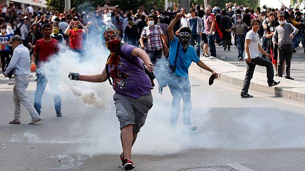 Quatrième journée d'affrontement en Turquie