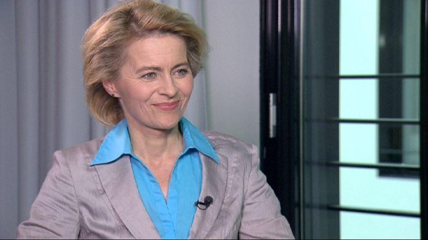 """Ursula von der Leyen: """"I giovani disoccupati cerchino lavoro nel nord Europa"""""""
