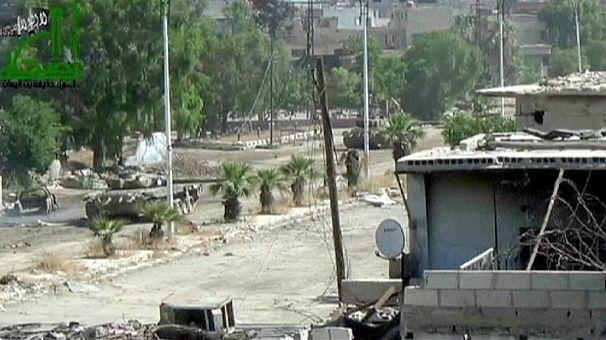 Attentat près d'un aéroport à Damas et manoeuvres en Jordanie