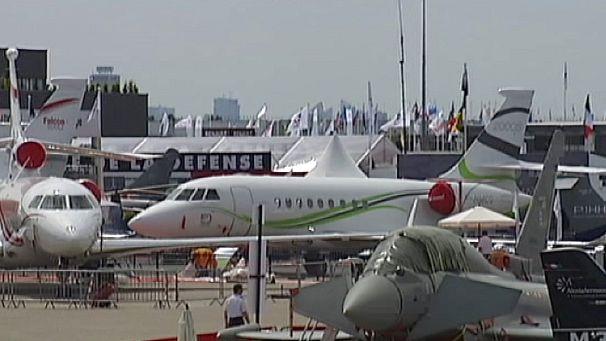 Le Bourget: sfida tra Boeing e Airbus al salone dell'aeronautica