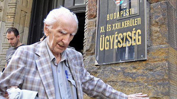 Hongrie: un criminel nazi de 98 ans inculpé un an près sa découverte