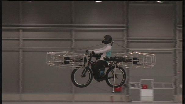La bicicletta volante: dalla Repubblica Ceca arriva un prototipo