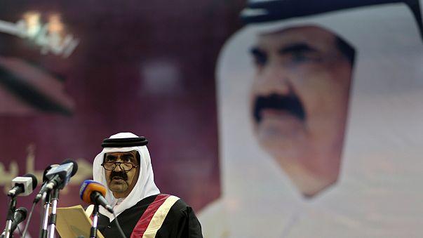 """Passation de pouvoir au Qatar : un """"bon coup"""" pour la monarchie"""