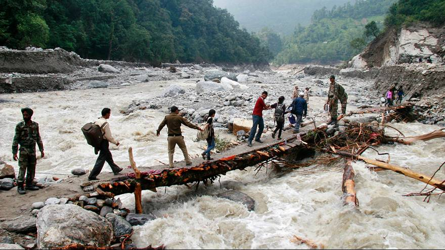 India: Uttarakhand floods kill 800, rescue conditions worsen