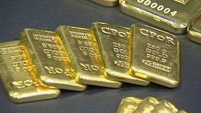 Gold bugs bail out