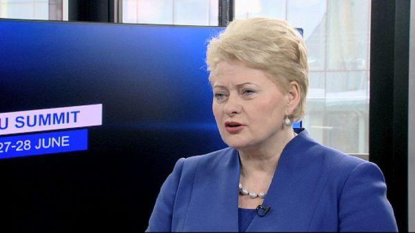 """Grybauskaite: """"si recortas los sueldos, empiezas por los políticos"""""""