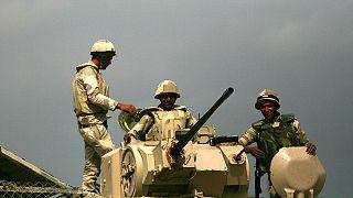 Egypte : l'armée donne 48 heures aux politiciens pour trouver un accord