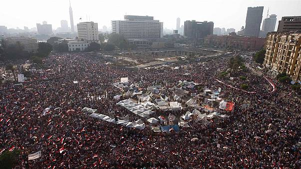 Mursi'den halka 'askeri darbeye direnin' çağrısı