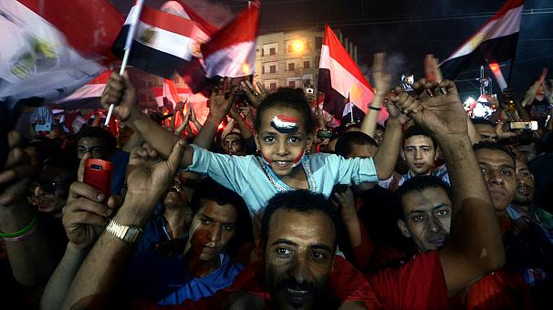 Egypt: supporters of ousted Mursi vow to defy military coup