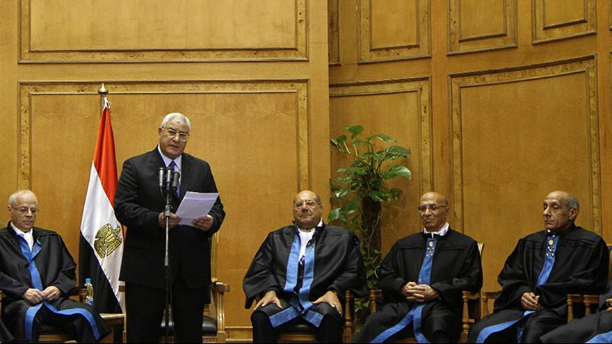 Egypt: interim head of state dissolves parliament