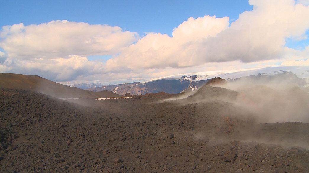 Infrahang jelzi a vulkánkitörést