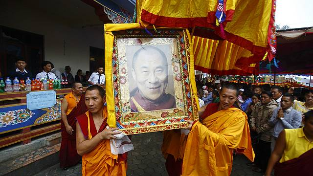 Fegyveres oszlatás a Dalai Láma születésnapján