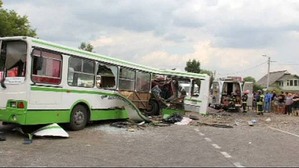 '18 dead' in Moscow bus crash, Russian officials blame lorry driver
