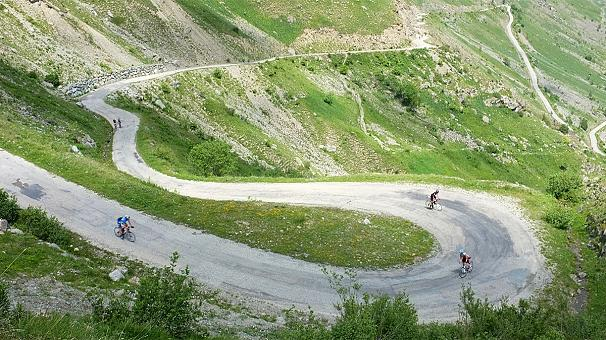 Tour de France 18th stage: double Alpe d'Huez climb awaits