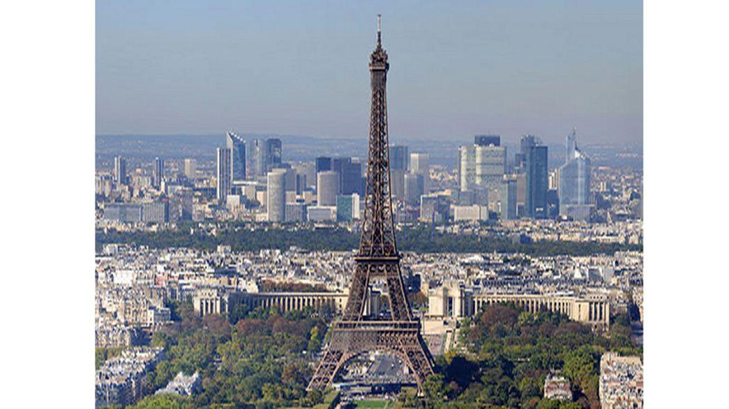Street View explores Eiffel Tower