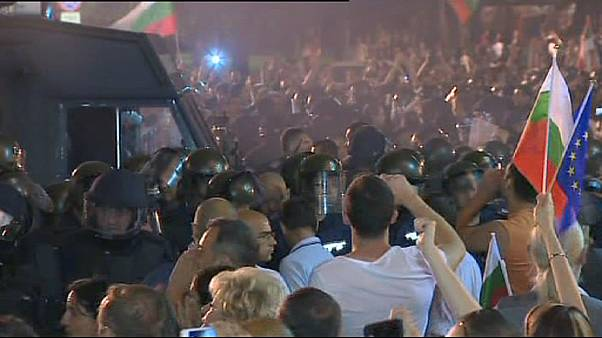 Bulgaria: protesters' tales of barricades and police violence