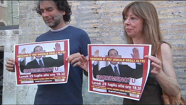 Berlusconi'ye demir parmaklıklar çok yakın