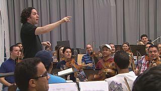 """البصمة المتميزة لفرقة أوركسترا """"سيمون بوليفار"""" الفنزويلية"""