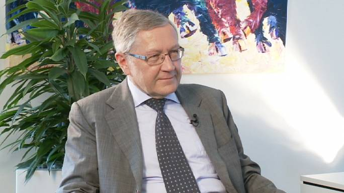 ريغلينغ ليورونيوز: متأكد من أن بلدان الأزمة ستعود إلى السوق