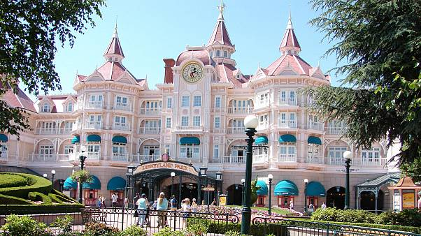 La crisi e il meteo penalizzano Disneyland Paris