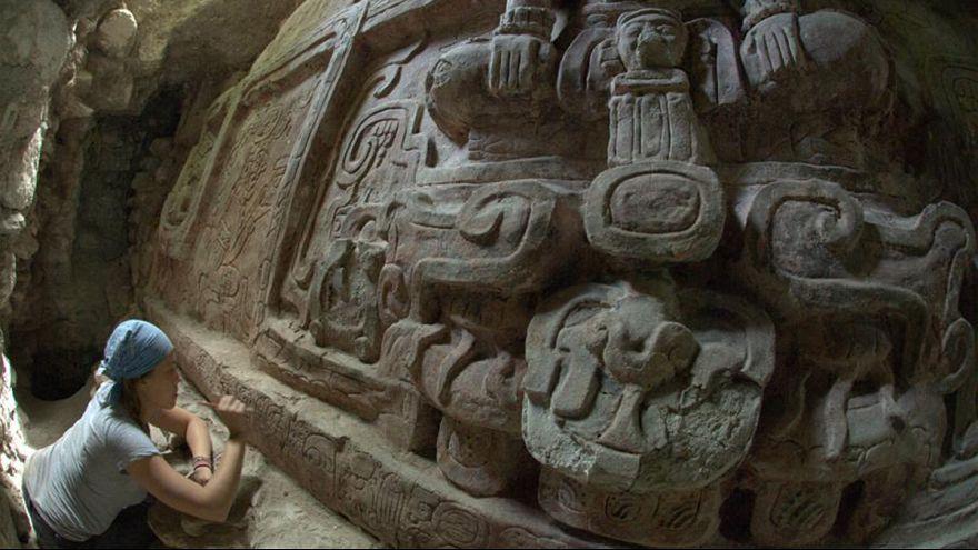 Encuentran en Guatemala uno de los frisos más espectaculares de la civilización maya