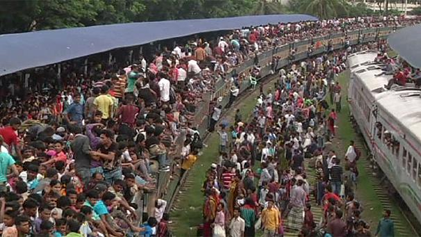 End of Ramadan rush-hour in Bangladesh