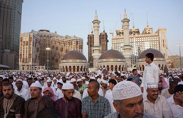 http://static.euronews.com/articles/234850/606x392_ramadan-fitr-mecca.jpg