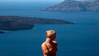 La isla griega de Santorini vive momentos caóticos por un apagón