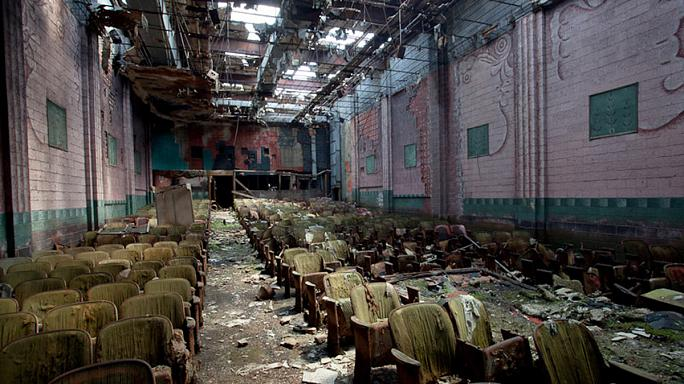 İflas eden Detroit hayalet şehre döndü