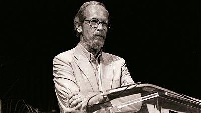 American novelist Elmore Leonard dies at 87