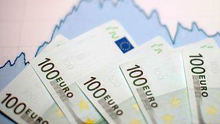 Αερογέφυρα δισεκατομμυρίων προς Ελλάδα και Κύπρο για τη διάσωση του ευρώ