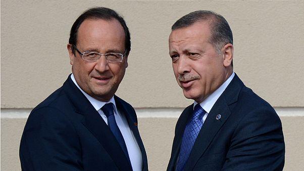 Erdoğan G-20 Zirvesi'nde Hollande ile görüştü