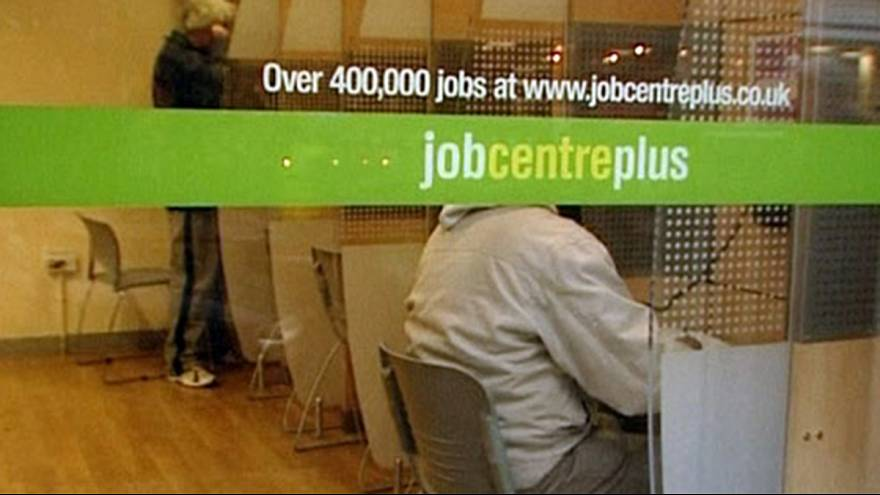 UK unemployment declines unexpectedly