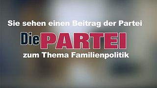 Γερμανία: Kόμμα προωθεί τις θέσεις του ενόψει εκλογών με... ερωτική διαφήμιση!