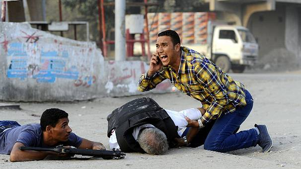 Clashes erupt between police and militants in Cairo