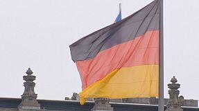Germania, le borse scommettono sulla Merkel. Il nodo salari