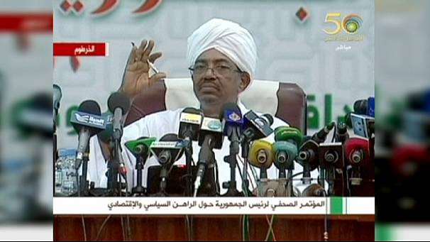 Sudan President al-Bashir risks arrest on UN visit