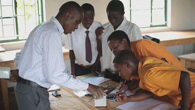 من المشاريع الفائزة بجائزة  بجائزة مؤتمر القمة العالمي للإبتكار في التعليم لعام 2013