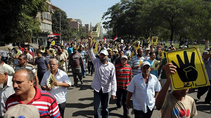 Muslim Brotherhood supporter dies in Cairo clash after military open fire on pro-Mursi demonstration