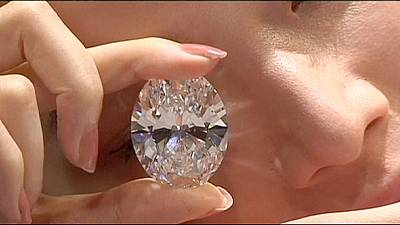 White diamond breaks record in Hong Kong auction